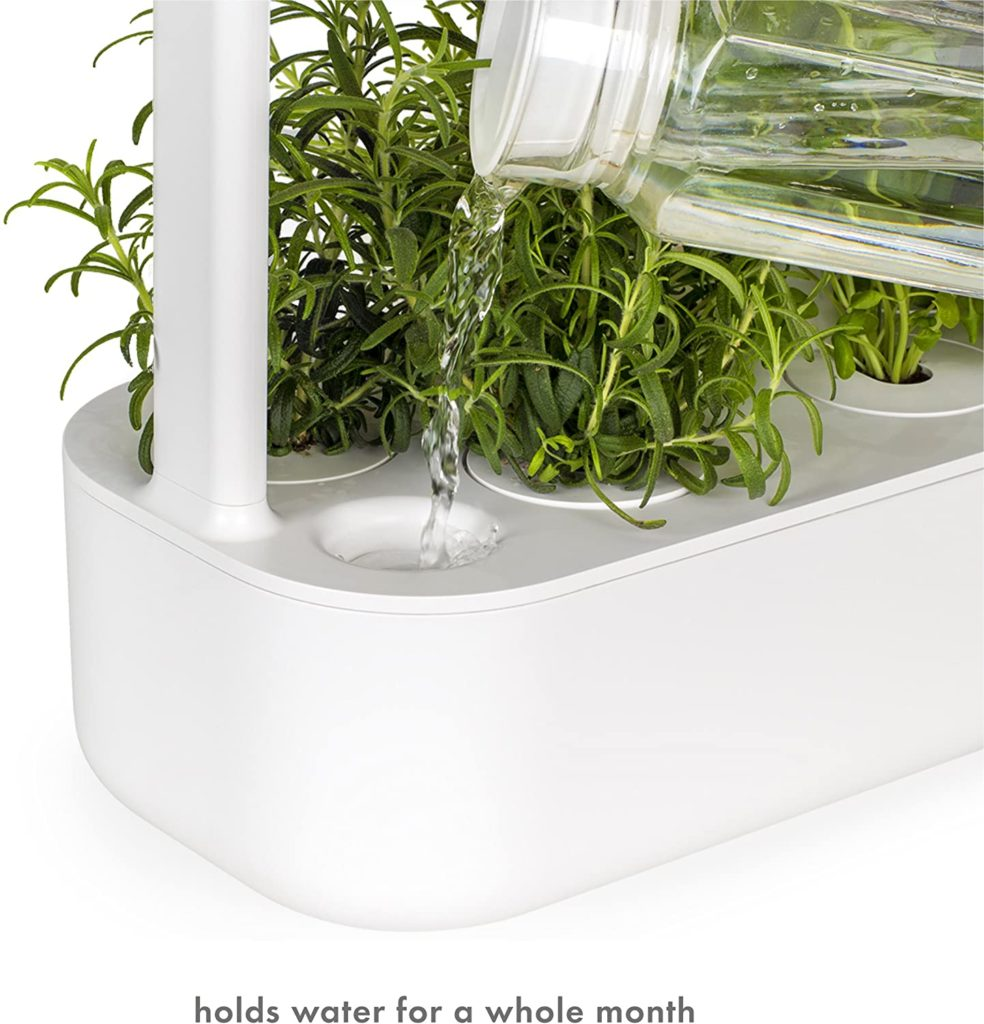 Smart Hydroponics can hold water for a whole month